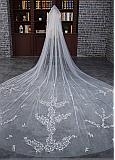 In Stock Glamorous Tulle Cathedral Wedding Veil With Lace Appliques